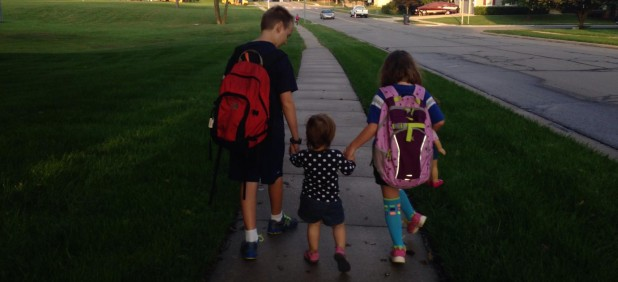 cropped-kids-walking-to-school2.jpg