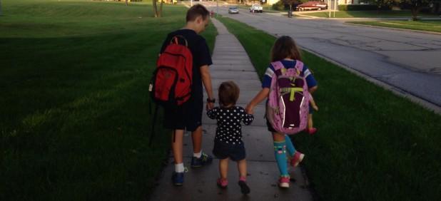 cropped-kids-walking-to-school2.jpg